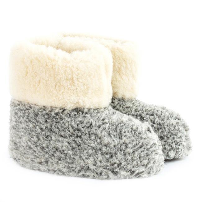 Chaussons beige écru blanc gris laine naturelle mouton bottine chaude fourré en lainage peaux fourrures pas cher lavable souple chaud léger sans semelle direct tannerie dt collection grossiste