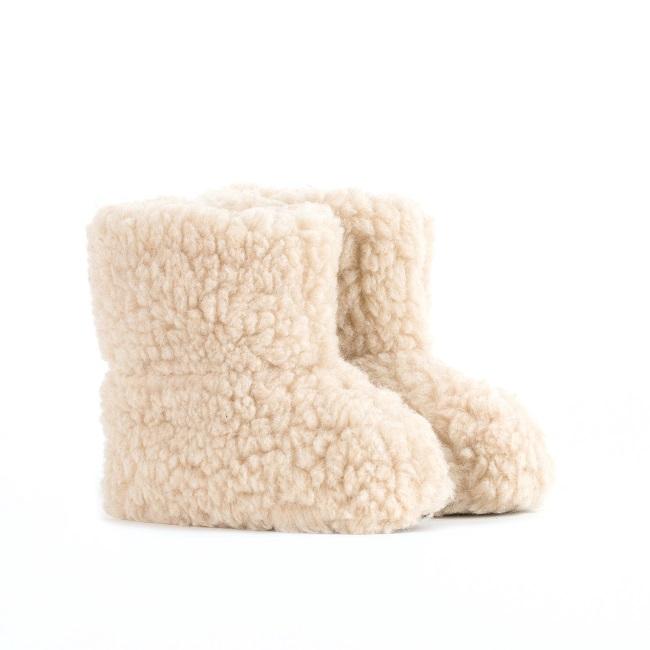 Chaussons beige marron brun en laine naturelle de mouton bottine chaude fourré lainage pas cher lavable enfant chaud léger sans semelle grossiste importateur négociant vente en gros direct tannerie