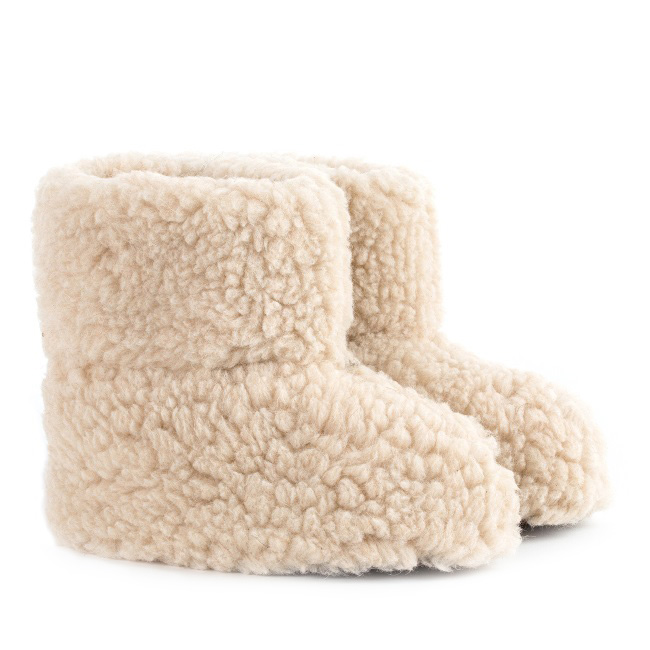 Chaussons beige marron en laine naturelle de mouton bottine chaude fourré lainage pas cher lavable souple chaud léger sans semelle douce grossiste importateur négociant vente en gros dt collection