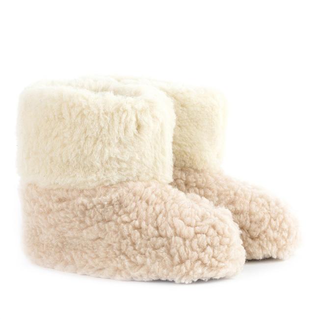 Chaussons blanc écru marron laine naturelle mouton bottine chaude fourré lainage pas cher lavable adulte souple chaud léger sans semelle douce gratte pas pantoufles destockage vente en lot gros