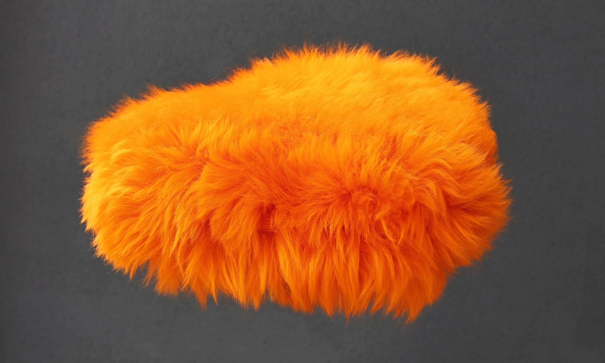 Couvre selle orange à poils longs