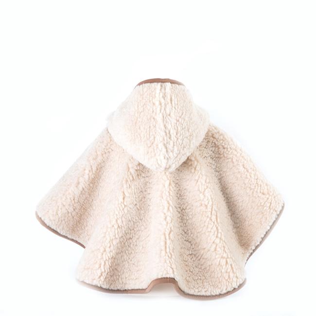 Poncho enfant en laine naturelle de mouton marron beige intérieur doublé laine vierge cape à capuche lavable machine bébé enfant naissance cadeau direct tannerie dt collection grossiste