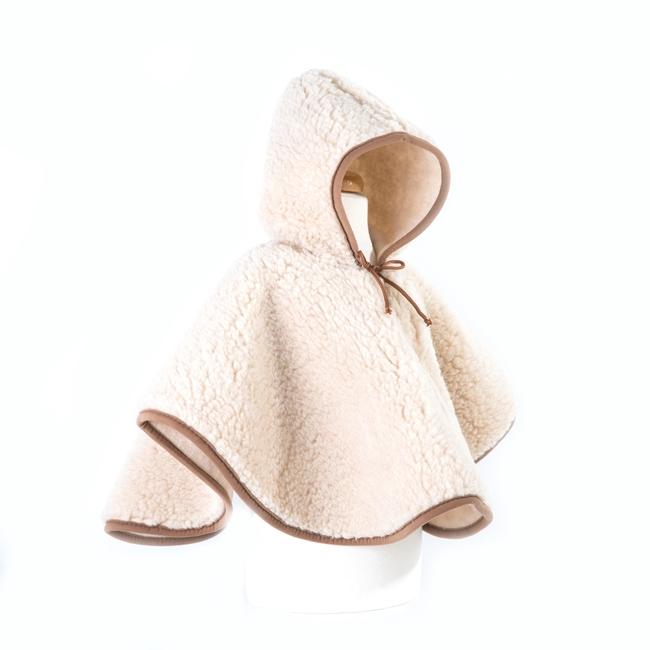 Poncho enfant en laine naturelle de mouton marron beige intérieur doublé laine vierge cape à capuche lavable machine bébé enfant naissance direct tannerie dt collection grossiste