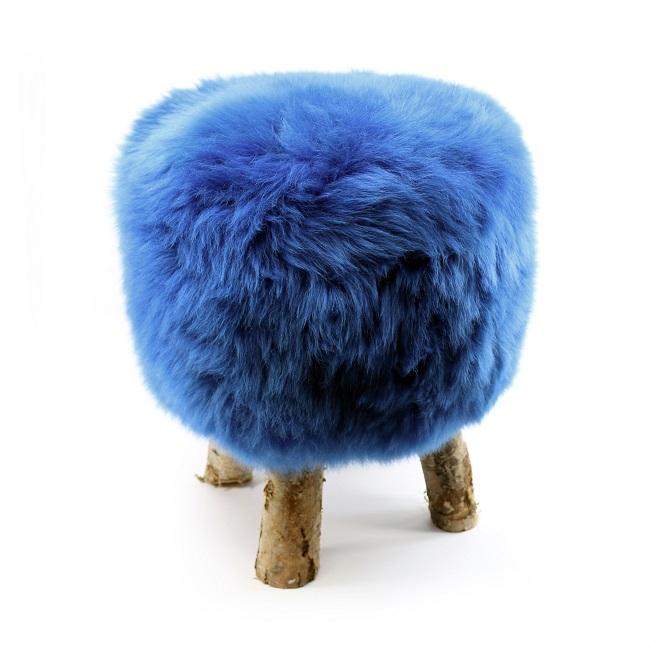 tabouret pouf en peau de mouton bleu dur grossiste importateur direct tannerie vente en gros france poil ras p