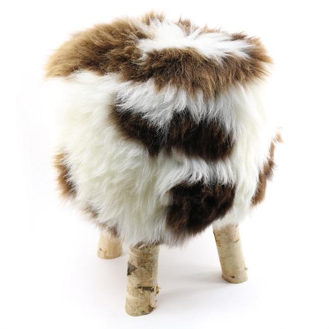tabouret pouf en peau de mouton jacob grossiste importateur direct tannerie vente en gros tâche blanc marron p