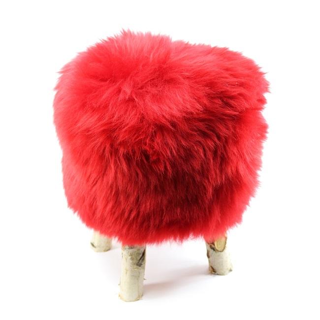 tabouret pouf en peau de mouton rouge vif grossiste importateur direct tannerie vente en gros poil ras france p