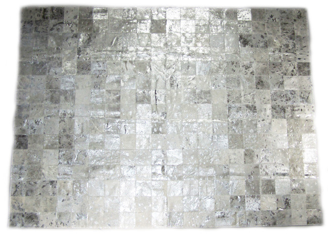 Tapis en patchwork peau de vache Acidé Argent direct tannerie importateur grossiste